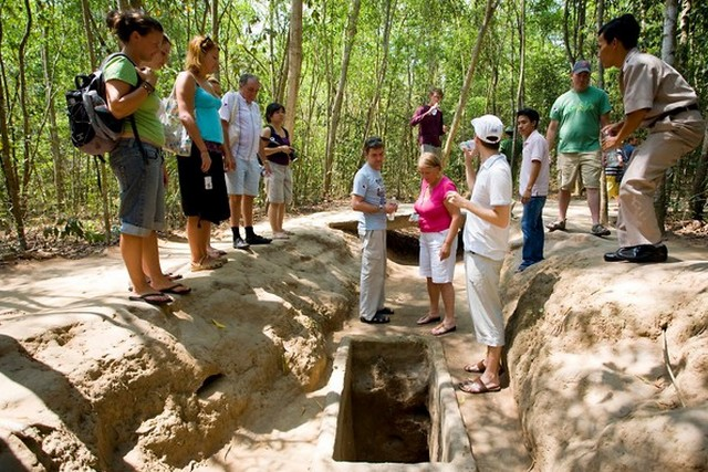 Explore Ho Chi Minh City–Cu Chi Tunnel–Full Day Tour